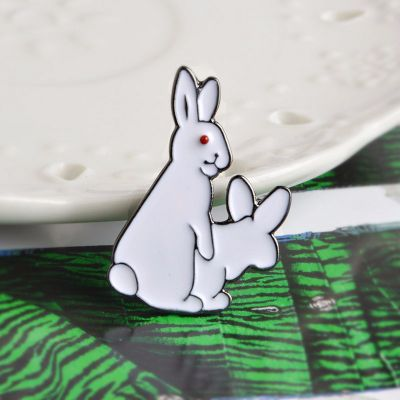 Bunnies Doing Bunny Stuff FREE P/&P Unisex Humping Rabbits Brooch UK Stock